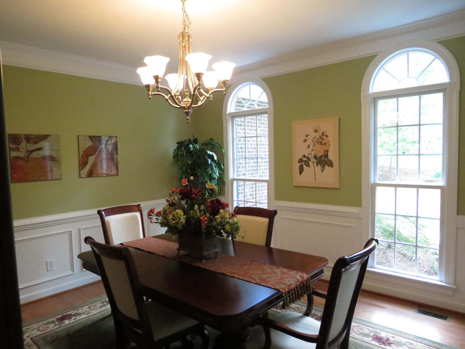 Linda beam an affection for staging feast your eyes for Wall paint ideas for dining room
