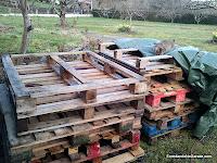 Palets para fabricar el compostador, enredandonogaraxe