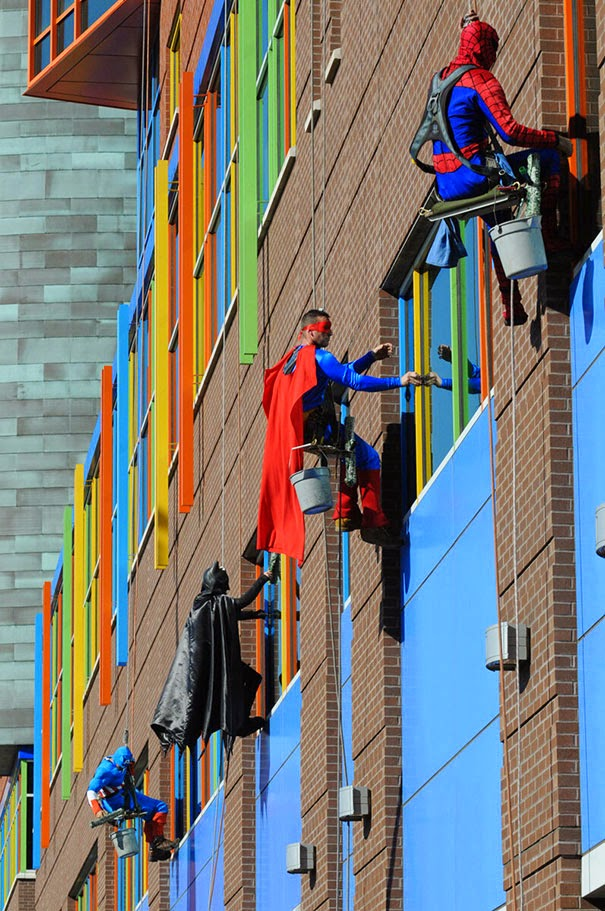 20+ Photos That Will Restore Your Faith In Humanity - Workers From Memphis Cleaning Company Dress Up As Superheroes To Cheer Up Patients At Children's Hospital In Le Bonheur