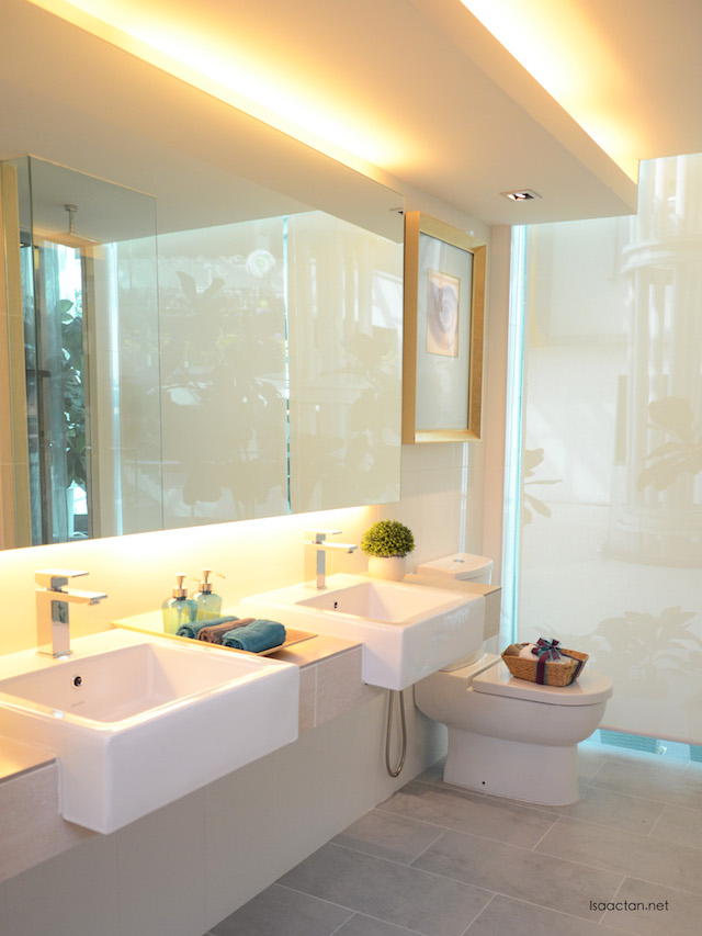 Beautiful bathroom with attached bathtub built in