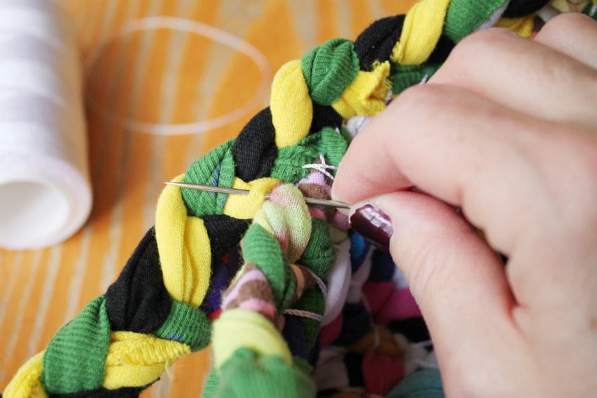 corner blogd.i.y. braided basket