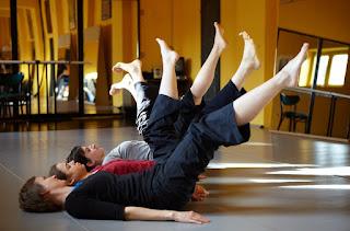 Női torna: mozdulatművészet -Dusa G fotója