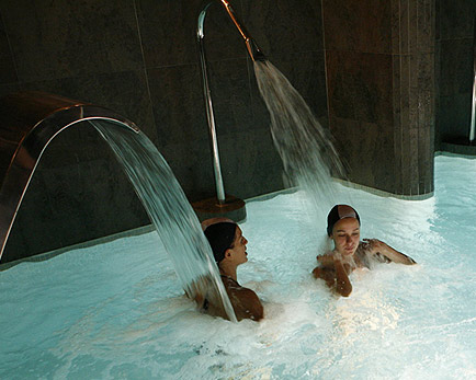 La hidroterapia calidad de vida al dia for Chorros para piscinas