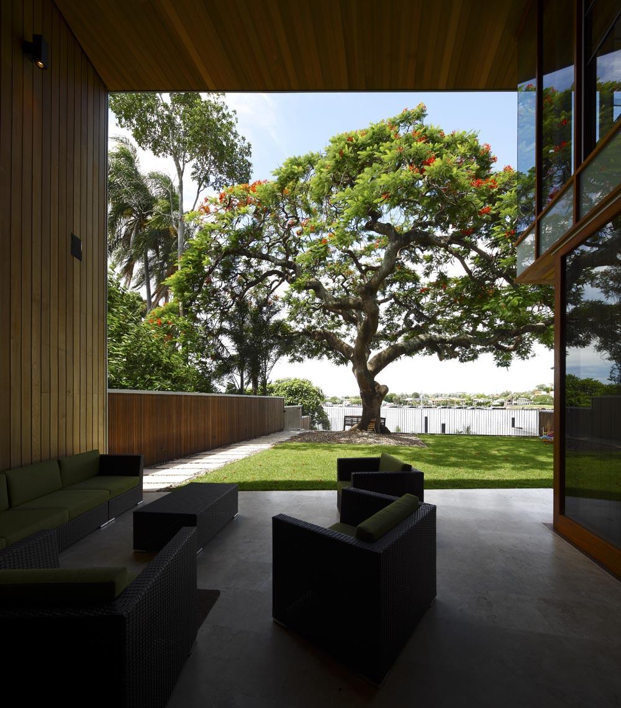 Arbour House, Brisbane River, Australia