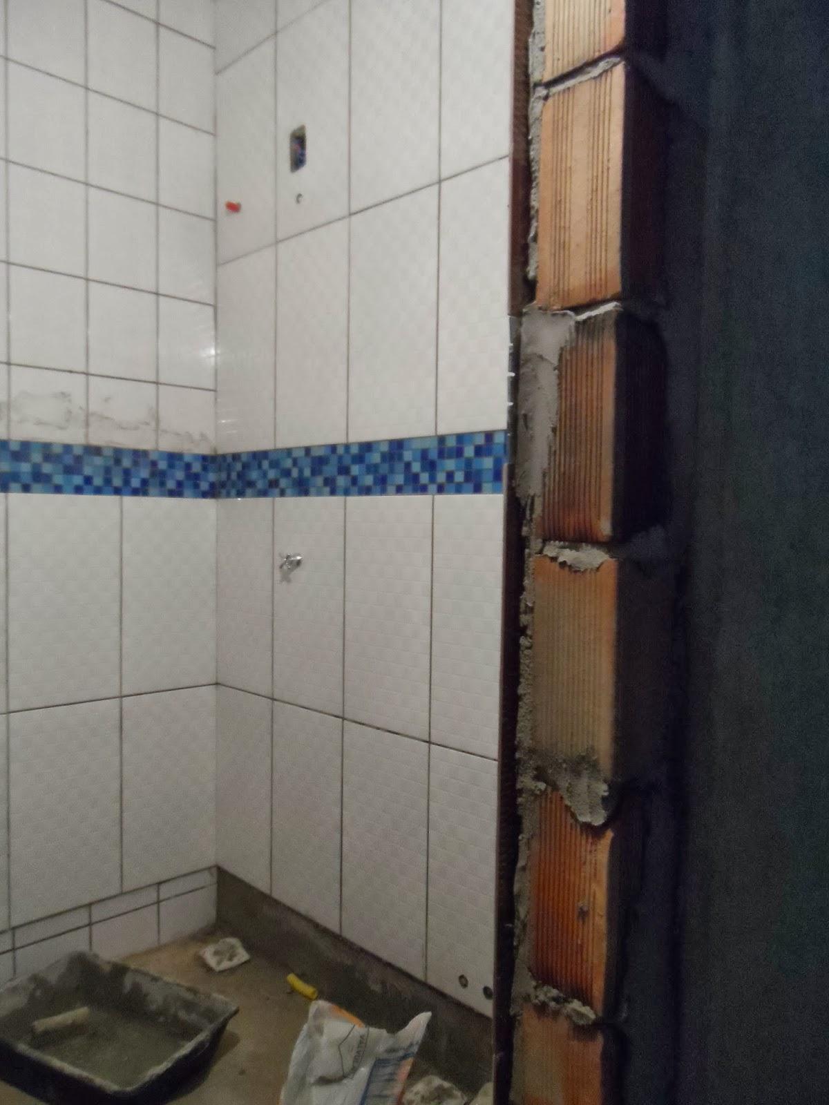 Minha casa te inspira: Banheiro azul e Branco #2C4165 1200x1600 Banheiro Branco Com Rejunte Azul