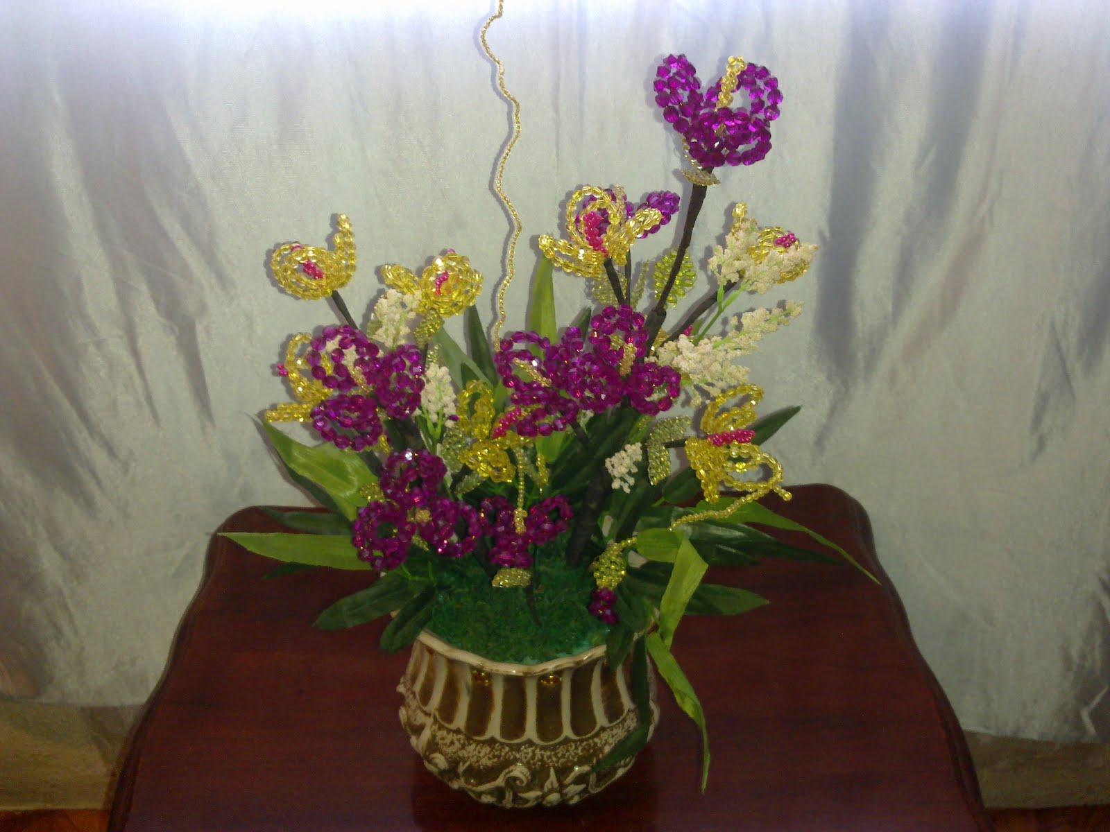Koleksi bunga crystal baru sahaja di hasilkan
