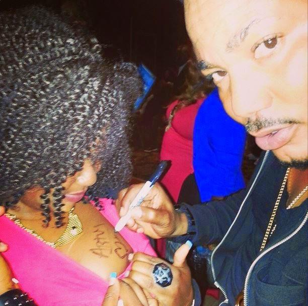 frank artus signing autograph boob