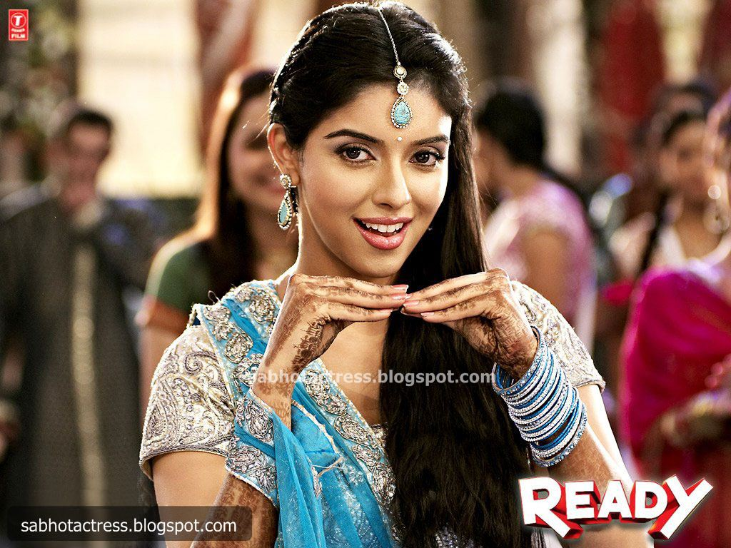 SAB HOT ACTRESS: Ready Hindi Movie Wallpaper And Asin Hot And Cute ...