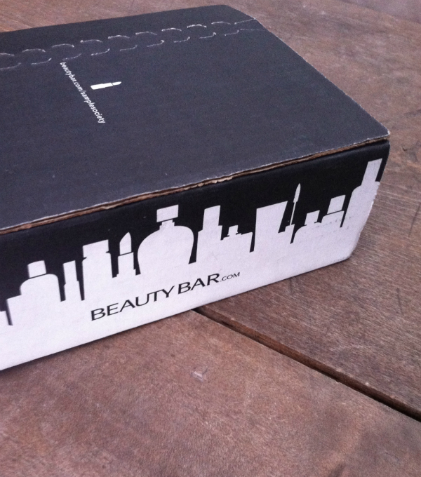 Sample Society by Beauty Bar Review - October 2012 - Monthly Beauty Subscription Boxes unboxing
