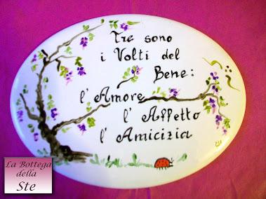 Una bellissima placchetta di porcellana come regalo per una forte e sincera amicizia