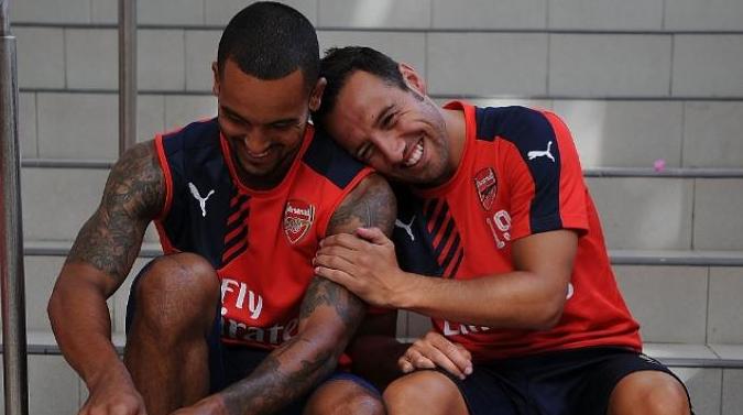 Carzola dan Theo Walcott teken kontrak baru bersama Arsenal