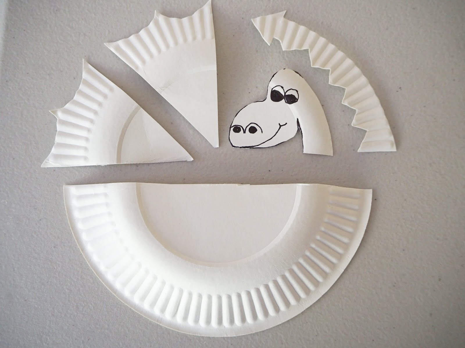 & Learn with Play at Home: Simple Paper Plate Dragon Craft
