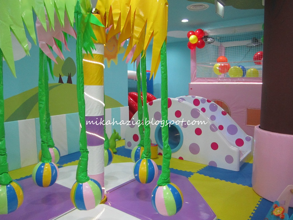 Indoor Playgrounds With Kids Viewing Gallery