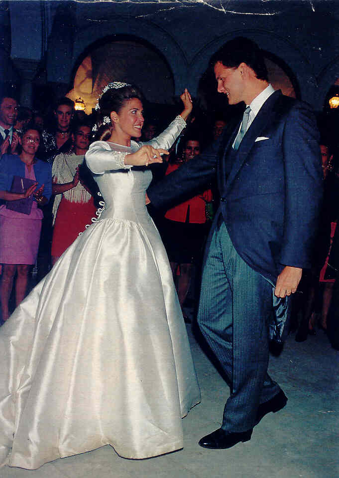 Red Carpet Wedding: Princess Clotilde d'Orléans & Edouard