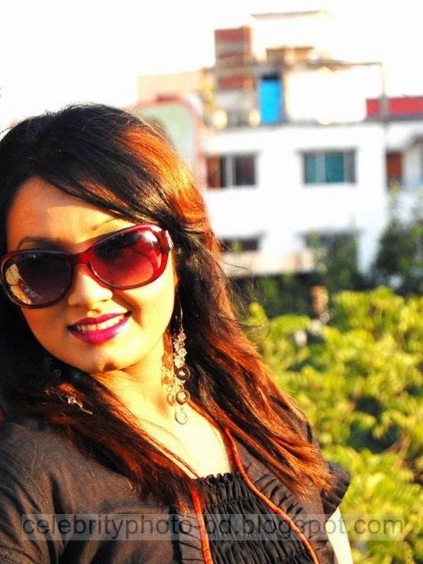 Bangla+Drama+Actress+and+Model+Shiba+Gives+New+Looks+Unseen+Hot+Photos001