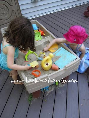 kids sand table