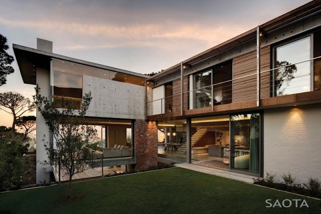 Photo of modern facade of Glen House in Cape Town