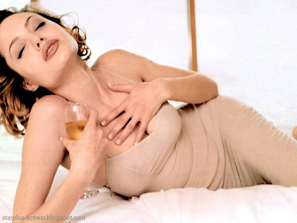 http://2.bp.blogspot.com/-_UmqPrm2GT0/TgD-OyKJRUI/AAAAAAAAH7o/G7gdFjj13sQ/s1600/Angelina-Jolie-126.JPG