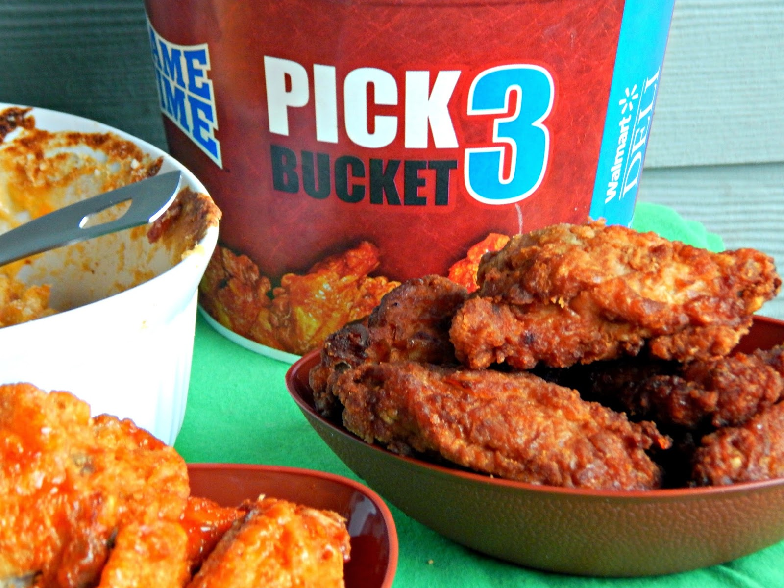 #AD 5 Cheese Macaroni and Cheese Recipe with #GameTimeHero Hot Wings @Delianytime