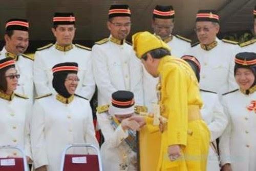 wan-azizah-sultan-selangor
