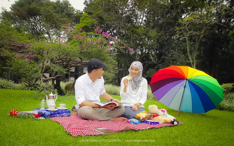 Foto prewedding piknik