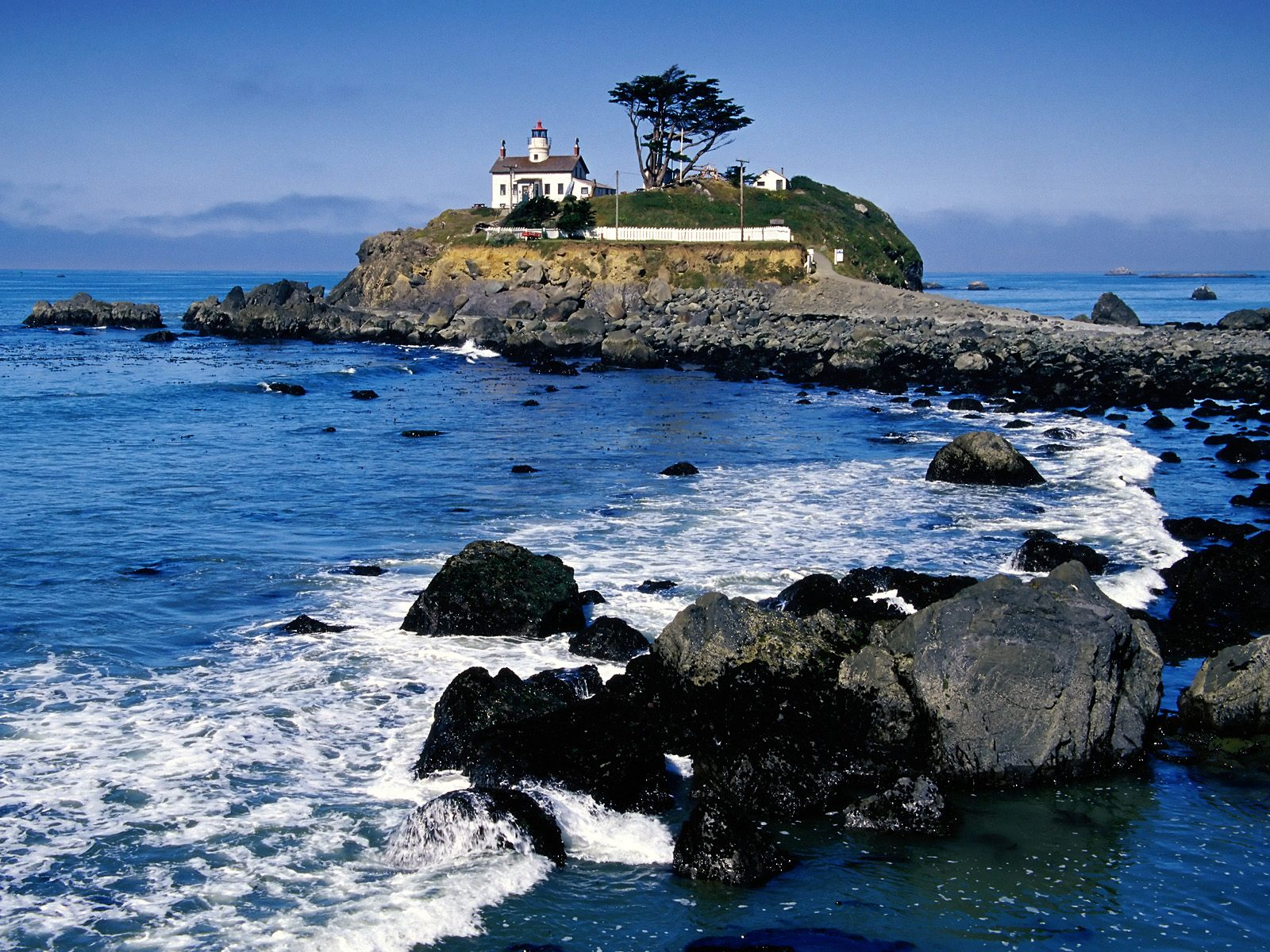 http://2.bp.blogspot.com/-_V6P6X4ZfBg/UMxGJ2AsdaI/AAAAAAAACwU/01p-OsrFKzc/s1600/Battery_Point_Lighthouse_Crescent_City_California.jpg
