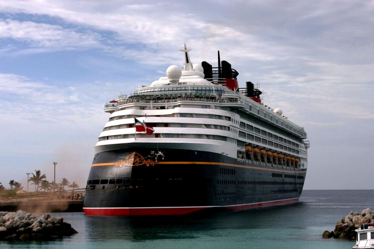 SHIPWallpaperGallery Disney Fantasy Cruise Ship Wallpaper