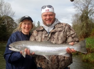 Steelhead-fishing-on-the-south-Umpqua-Oregon