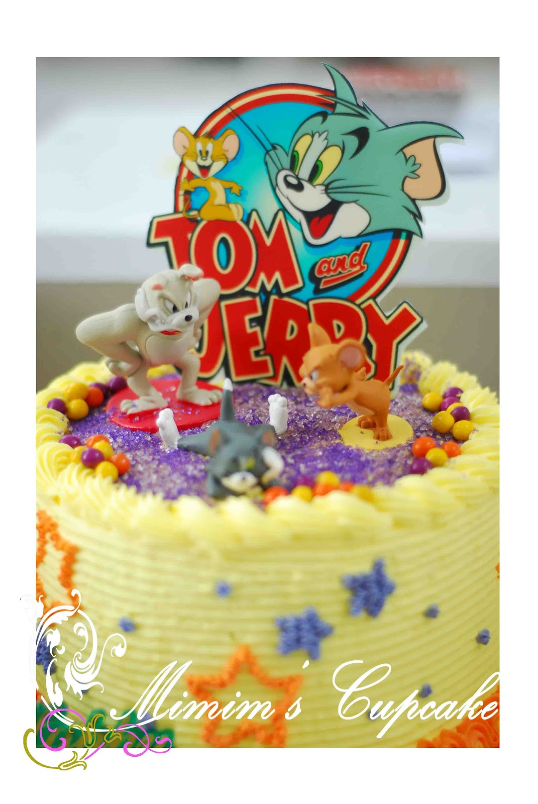 Tom And Jerry Bird In Cake