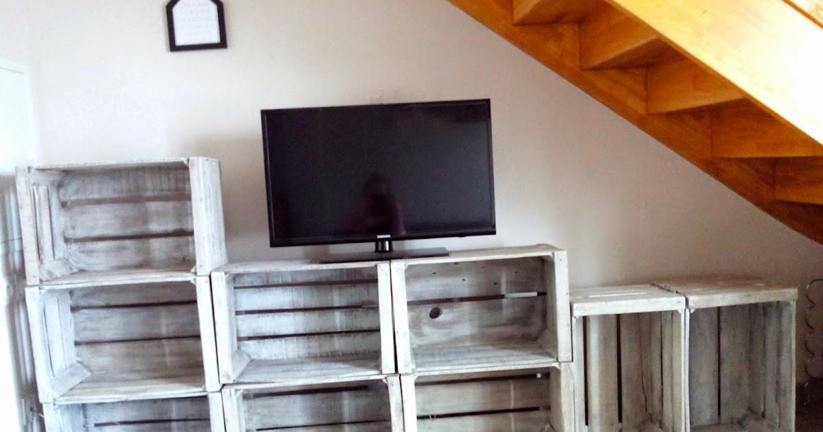 Do it yourself meuble tv avec caisses en bois bull 39 elodie - Leroy merlin meuble tv ...