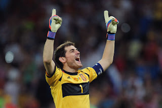 Casillas Pantas Raih Ballon d'Or