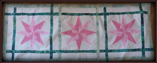 pink and teal Dreamweaver table runner