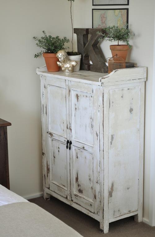 Decora tu hogar envejecer muebles el decap for Como pintar un mueble oscuro en blanco envejecido