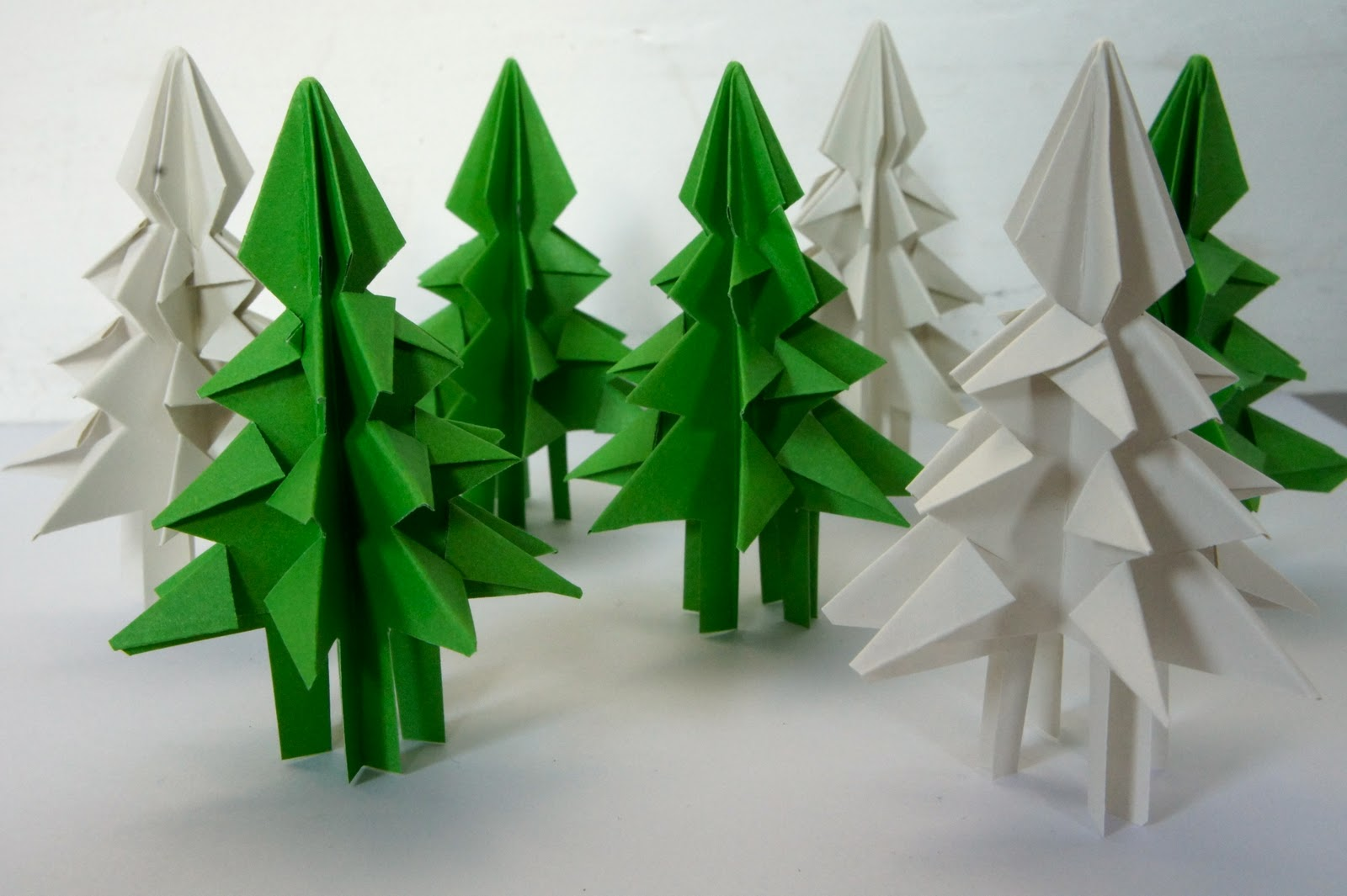 Ideas from the forest folding christmas trees - Sapin en serviette en papier ...