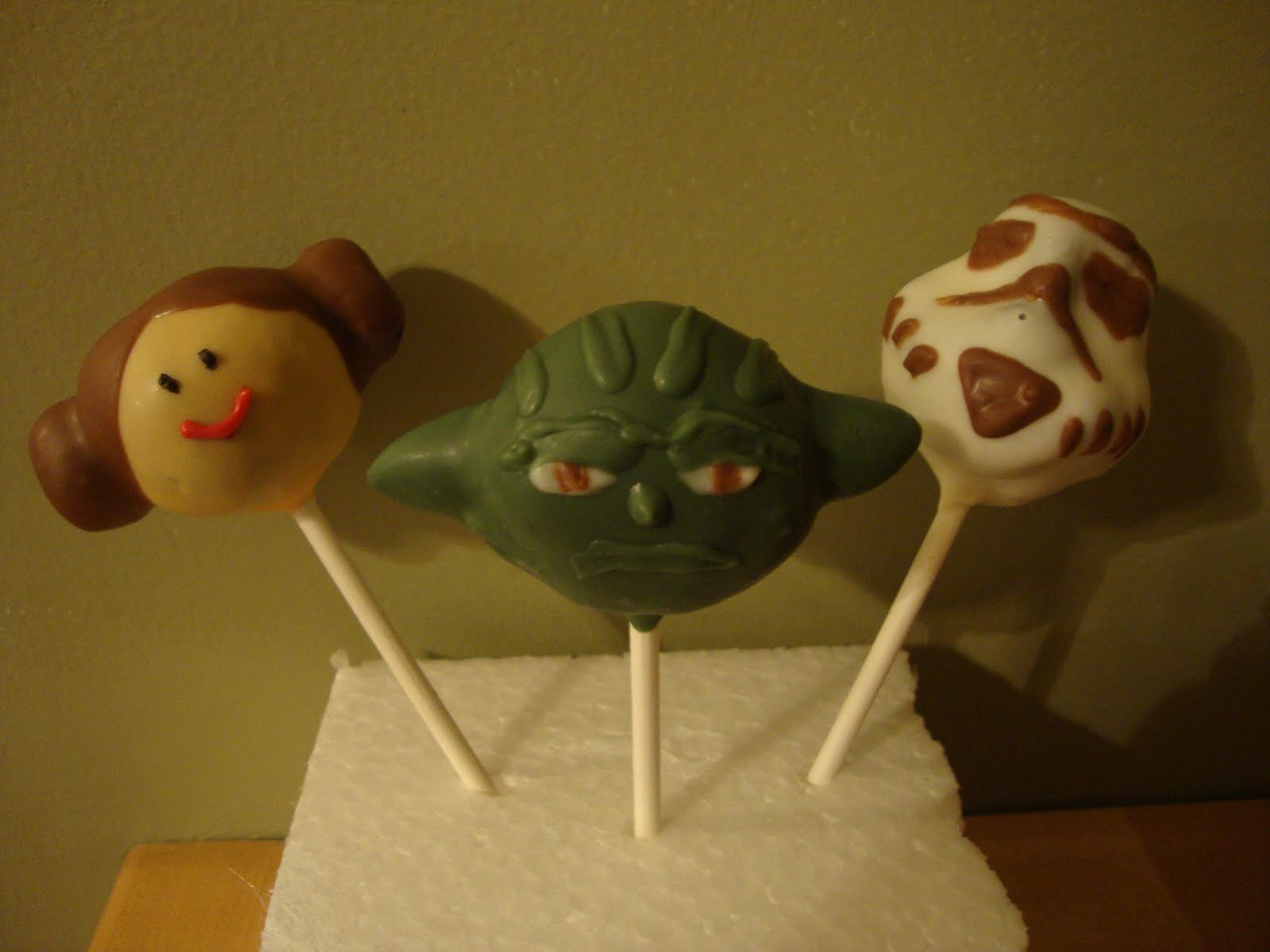 Star Wars Cake Pop Images : Kute by Kari: First Party Order- Star Wars Cake Pops!