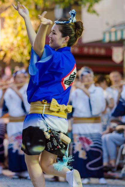 三鷹阿波踊り 富道連の女性の男踊り