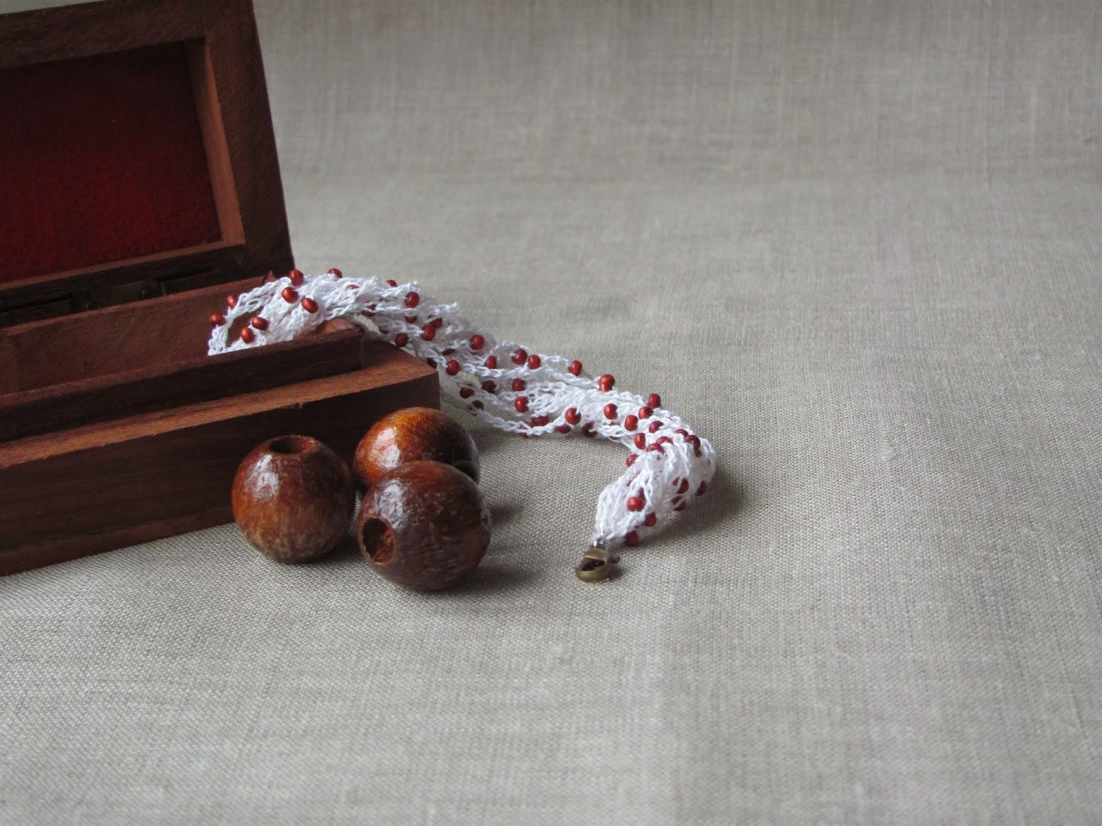 Бижутерия, аксессуары, купить брошь, брошка, брошка из ткани, брошь ручной работы, красивая брошь, брошки, оригинальный подарок, ажурная брошь, подарок девушке женщине, брошь атласная, цветочная брошь, брошь в форме цветка, текстильная брошь, текстильные бусы, ожерелье своими руками, ручная работа, слингобусы , вязаные бусы, браслет, текстильный браслет, ручная работа, красивый браслет, летнее украшение