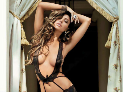 Gatas QB - Monika Pietrasinska Playmate Playboy Portugal Outubro 2012