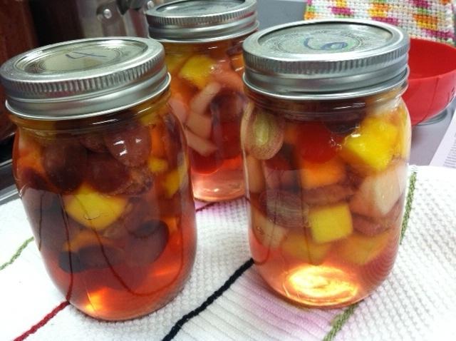 canning mixed fruit