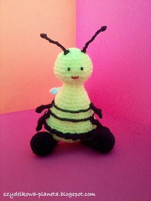 szydelkowa pszczola