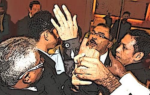 """Ahli Parlimen BN """"diserang"""" di Parlimen...???"""