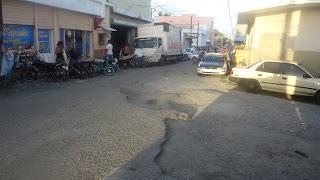 Programa Tocando Fondo solicita del ministro de Obras Públicas pavimentación de calles de San Cristóbal