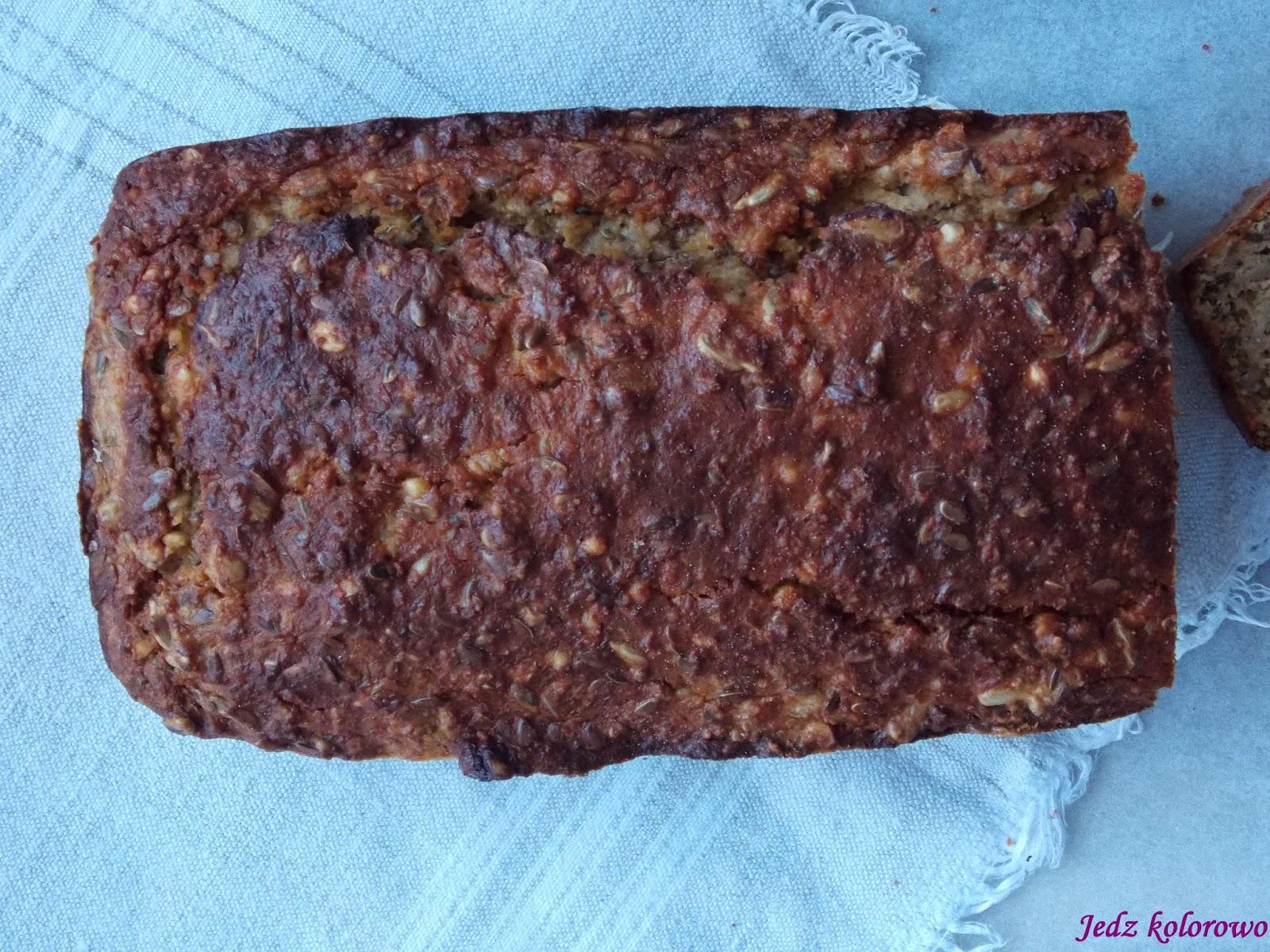 chleb z orzechów i kaszy gryczanej