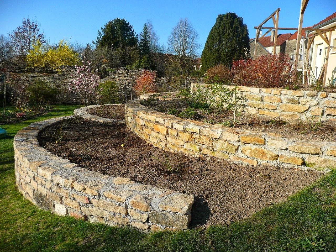 Deco petit jardin de rocaille fort de france 38 le petit jardin montpellier petit jardin - Petit jardin montpellier creteil ...