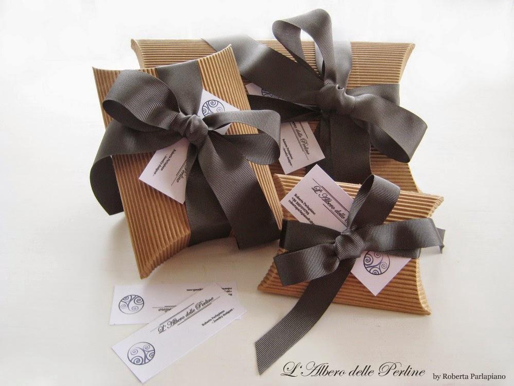 Pacchetti regalo eleganti di L'albero delle perline