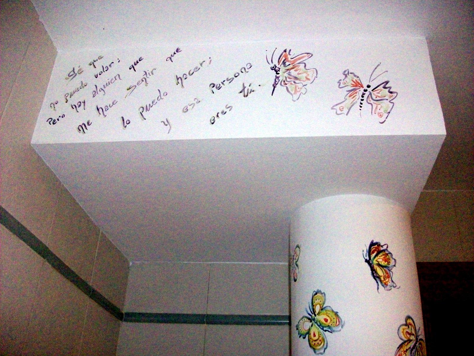 El pa s de babia pintando una pared de mariposas - Mariposas para pared ...