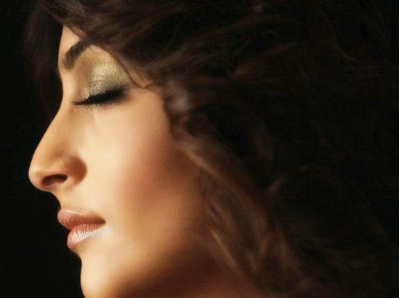 sonam kapoor hot close-up pics in players movie unseen sexy hot pics hd