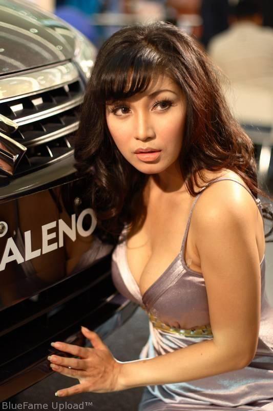 Baby Margaretha, Suzuki Baleno Neo, auto i panna, dziewczyny z samochodami