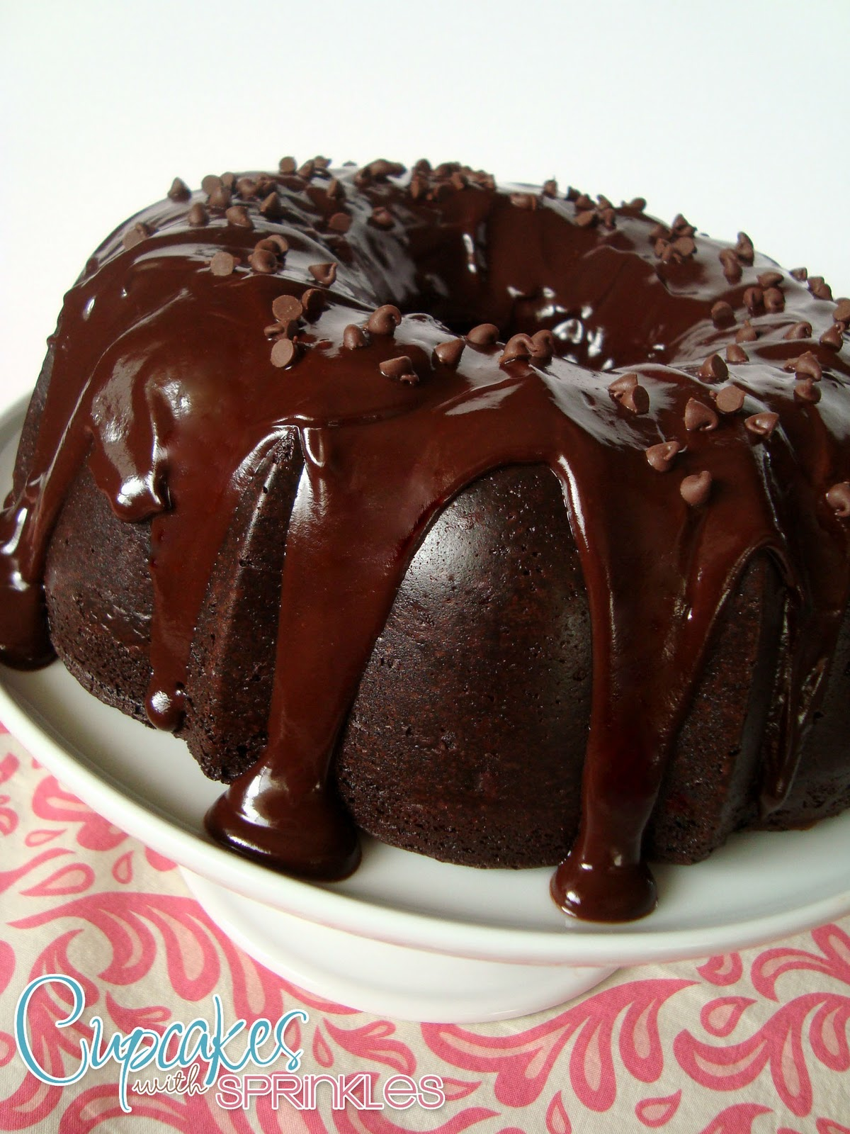 Cupcakes with Sprinkles: Chocolate Bundt Cake