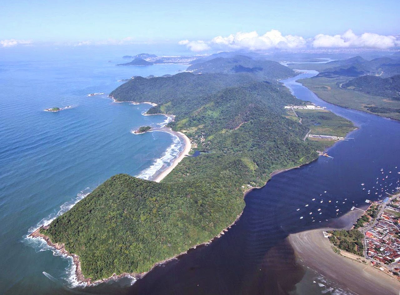 Vista aérea da Área de Proteção Ambiental da Serra do Guararú, em Guarujá. Foto: Pedro Rezende